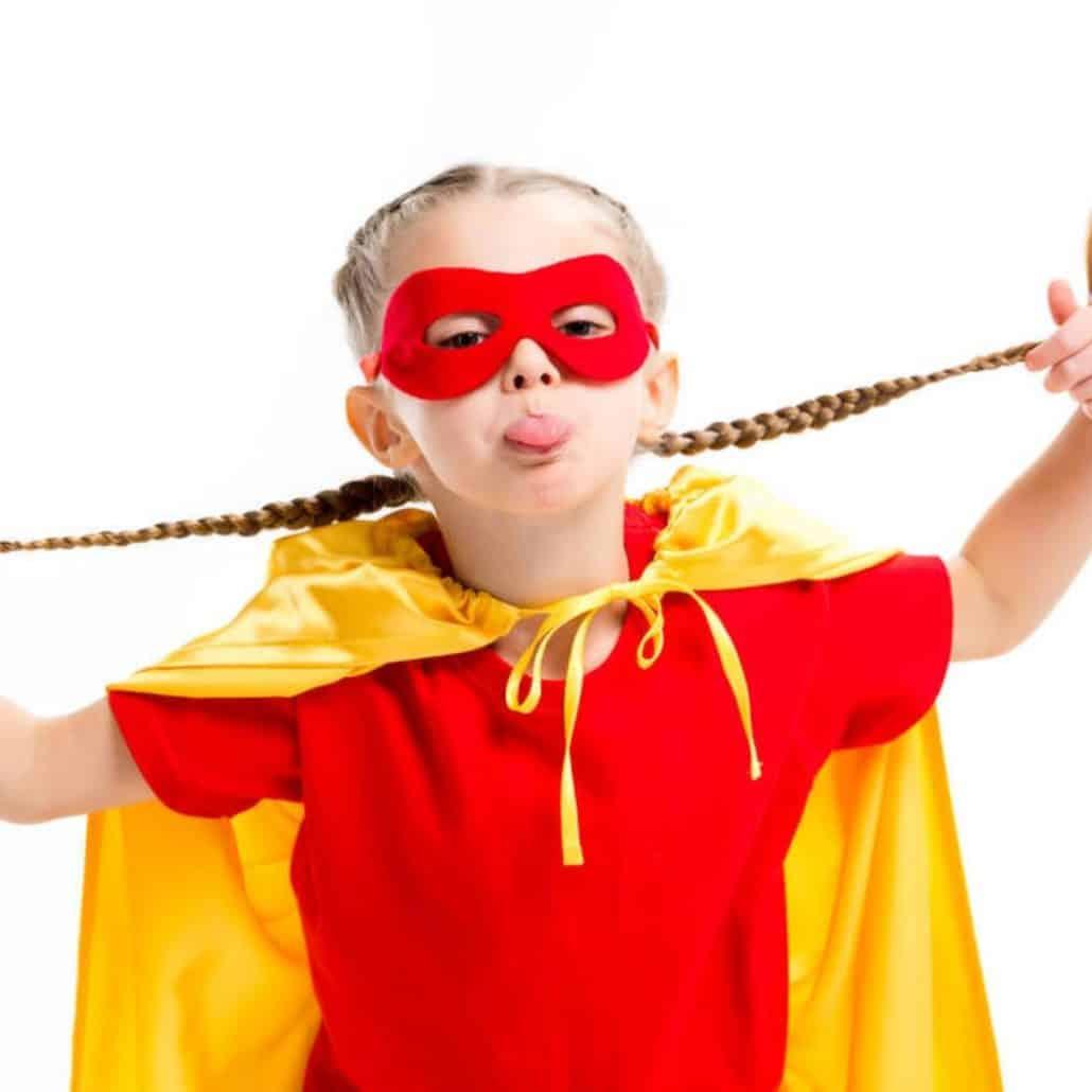 Grimace enfant super-héros